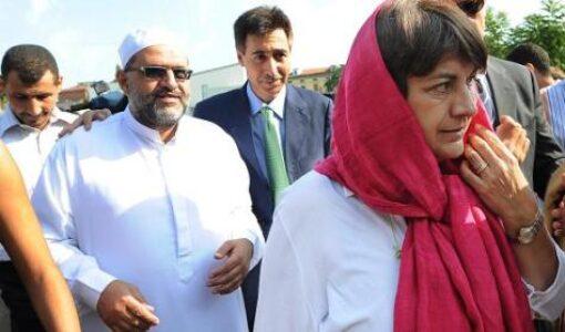 Il flame islamico dell'estate: tutti contro lo Stato laico